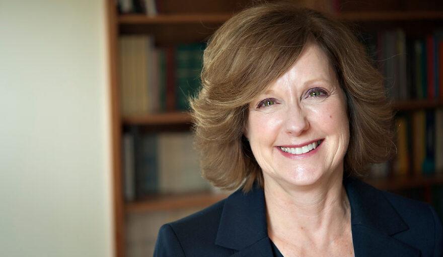 Headshot of Brenda Lindsey